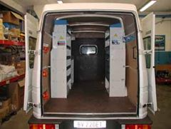 01_Daily Iveco upfit with racking units on both sides